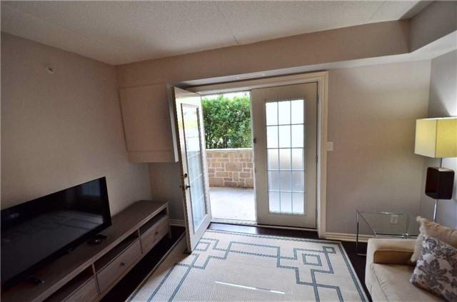 Condo Apartment at 1450 Bishops Gate, Unit 104, Oakville, Ontario. Image 5