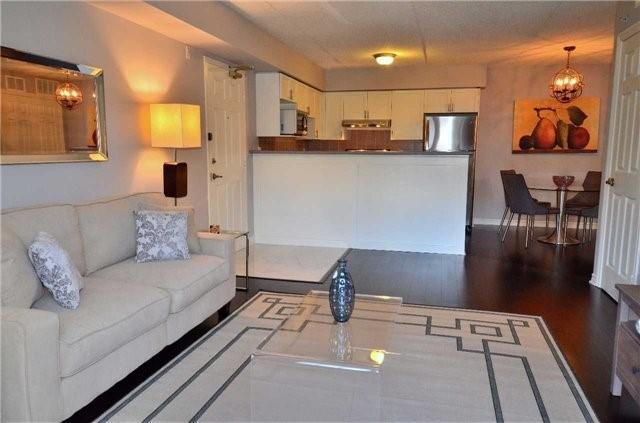 Condo Apartment at 1450 Bishops Gate, Unit 104, Oakville, Ontario. Image 7