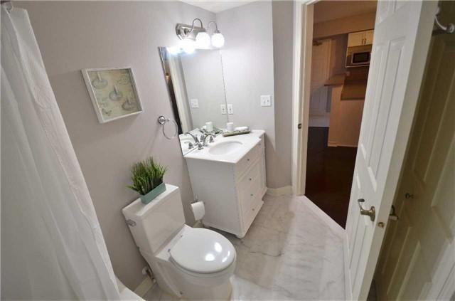 Condo Apartment at 1450 Bishops Gate, Unit 104, Oakville, Ontario. Image 10