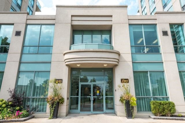Condo Apartment at 2585 Erin Centre Blvd, Unit Ph4, Mississauga, Ontario. Image 1