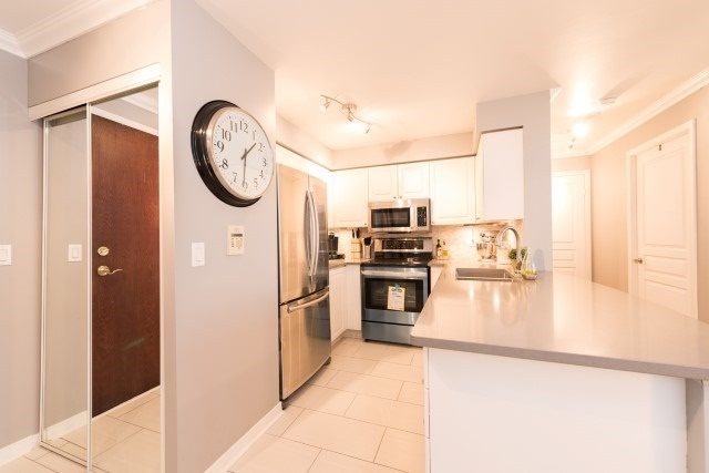 Condo Apartment at 2585 Erin Centre Blvd, Unit Ph4, Mississauga, Ontario. Image 13