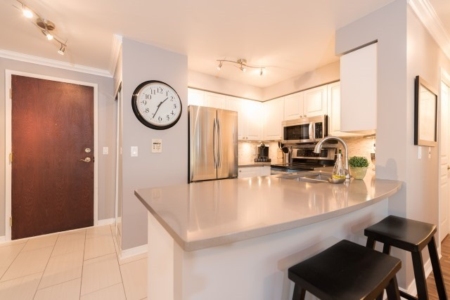 Condo Apartment at 2585 Erin Centre Blvd, Unit Ph4, Mississauga, Ontario. Image 15