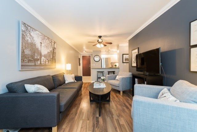 Condo Apartment at 2585 Erin Centre Blvd, Unit Ph4, Mississauga, Ontario. Image 2