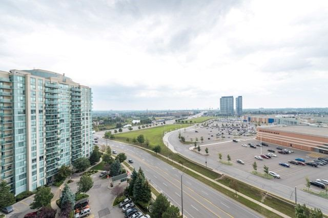Condo Apartment at 2585 Erin Centre Blvd, Unit Ph4, Mississauga, Ontario. Image 8