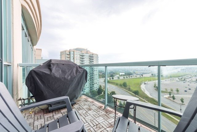 Condo Apartment at 2585 Erin Centre Blvd, Unit Ph4, Mississauga, Ontario. Image 9