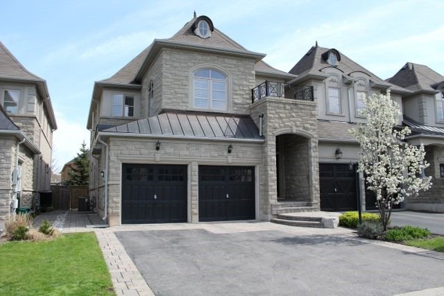 Townhouse at 2330 Wuthering Heights Way, Oakville, Ontario. Image 1