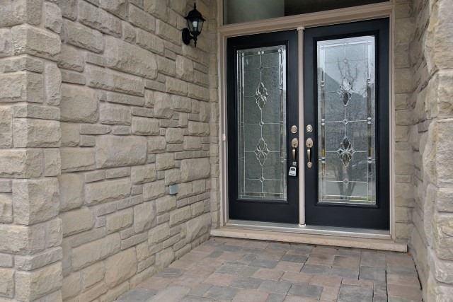 Townhouse at 2330 Wuthering Heights Way, Oakville, Ontario. Image 12