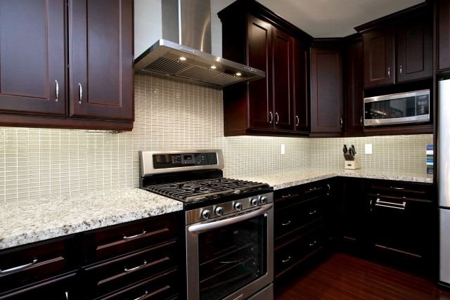 Townhouse at 2330 Wuthering Heights Way, Oakville, Ontario. Image 5