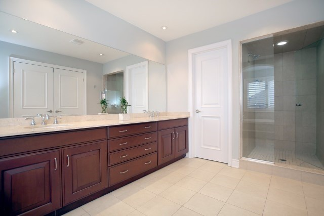 Townhouse at 2330 Wuthering Heights Way, Oakville, Ontario. Image 11