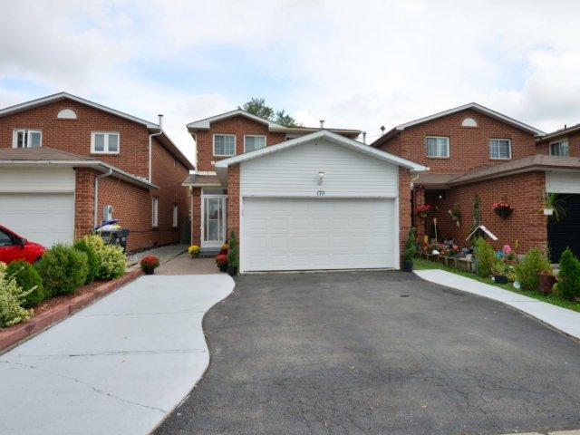 Detached at 179 Wexford Rd, Brampton, Ontario. Image 1