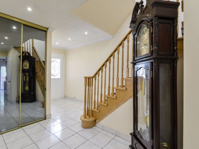 Detached at 179 Wexford Rd, Brampton, Ontario. Image 14