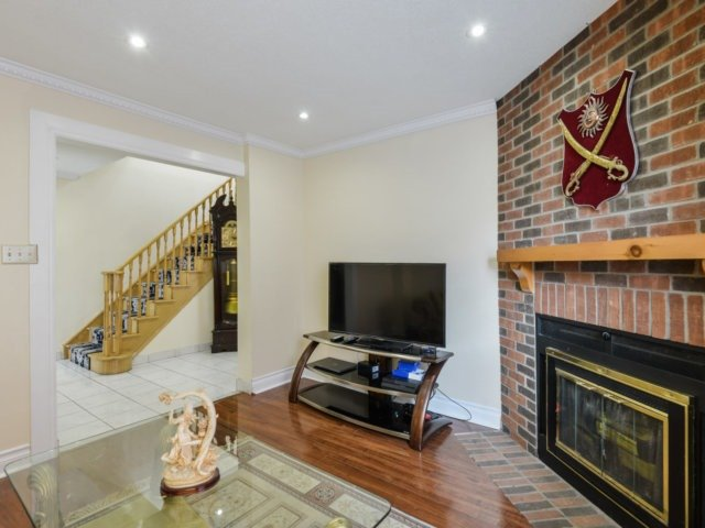 Detached at 179 Wexford Rd, Brampton, Ontario. Image 16