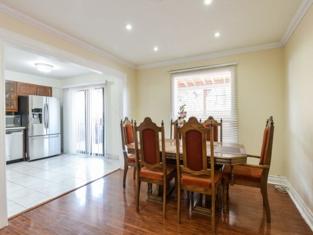 Detached at 179 Wexford Rd, Brampton, Ontario. Image 18