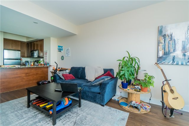 Condo Apartment at 60 Absolute Ave, Unit 3907, Mississauga, Ontario. Image 10
