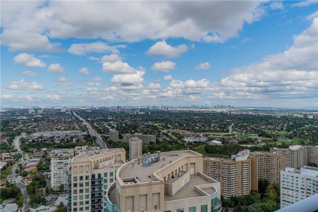 Condo Apartment at 60 Absolute Ave, Unit 3907, Mississauga, Ontario. Image 15