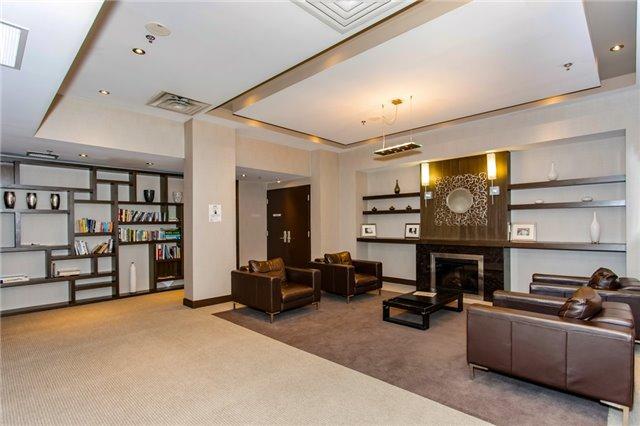 Condo Apartment at 60 Absolute Ave, Unit 3907, Mississauga, Ontario. Image 5