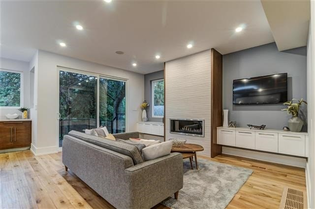 Detached at 55 Lunness Rd, Toronto, Ontario. Image 19
