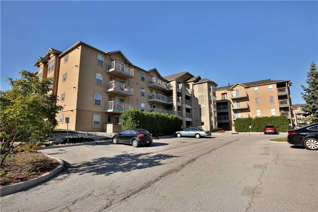 Condo Apartment at 1470 Bishops Gate, Unit 103, Oakville, Ontario. Image 1