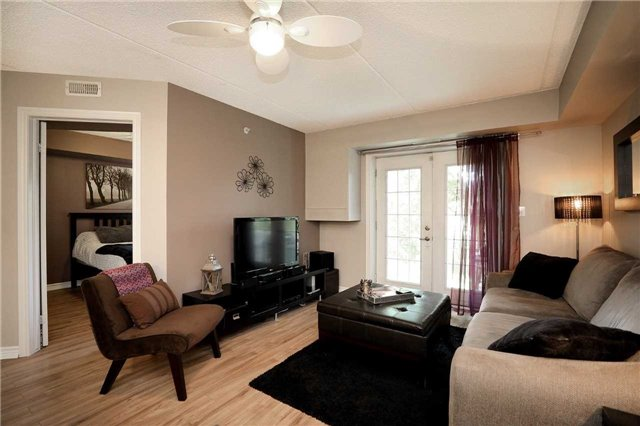 Condo Apartment at 1470 Bishops Gate, Unit 103, Oakville, Ontario. Image 14