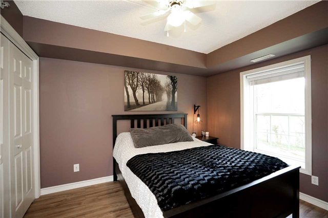 Condo Apartment at 1470 Bishops Gate, Unit 103, Oakville, Ontario. Image 19