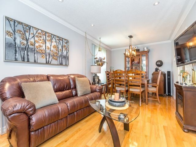 Detached at 6528 Eastridge Rd, Mississauga, Ontario. Image 19
