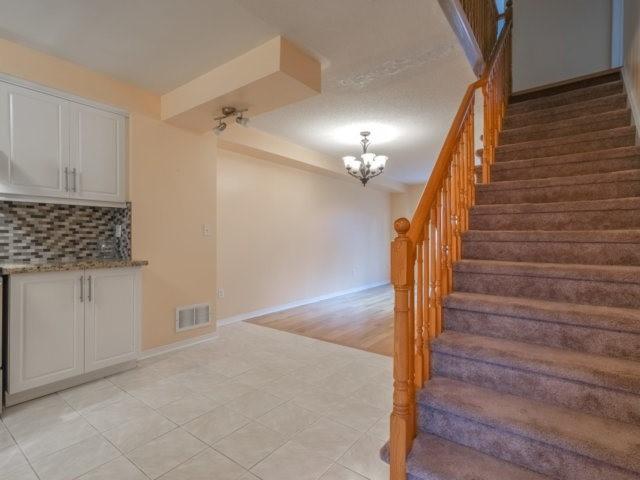Condo Townhouse at 5865 Dalebrook Cres, Unit 36B, Mississauga, Ontario. Image 12