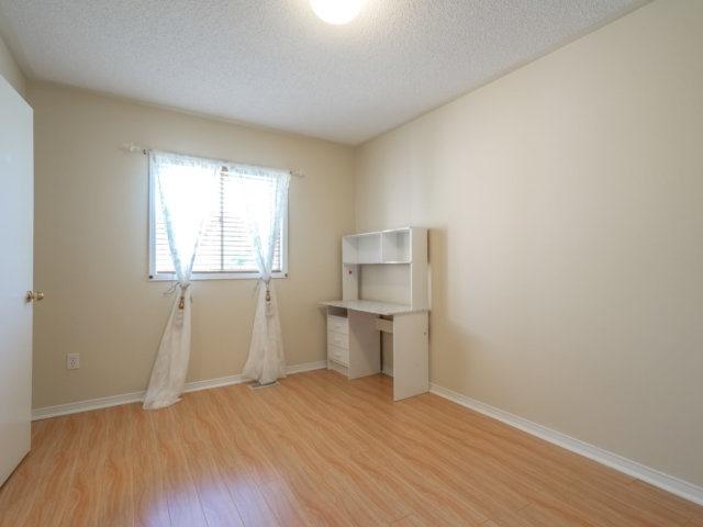 Condo Townhouse at 5865 Dalebrook Cres, Unit 36B, Mississauga, Ontario. Image 19