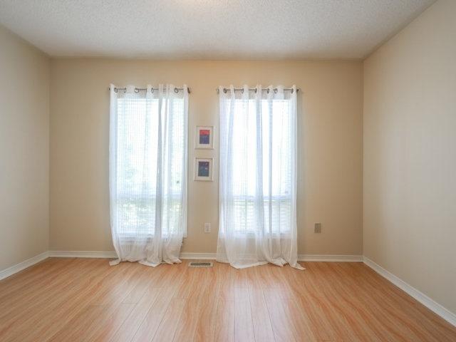 Condo Townhouse at 5865 Dalebrook Cres, Unit 36B, Mississauga, Ontario. Image 2