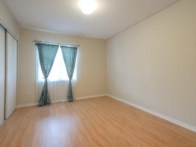 Condo Townhouse at 5865 Dalebrook Cres, Unit 36B, Mississauga, Ontario. Image 4