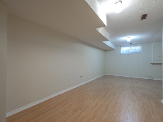 Condo Townhouse at 5865 Dalebrook Cres, Unit 36B, Mississauga, Ontario. Image 6