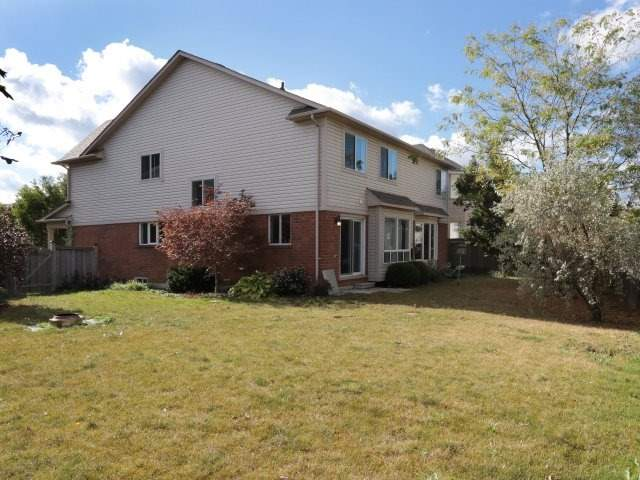 Detached at 1387 Hill St, Milton, Ontario. Image 13