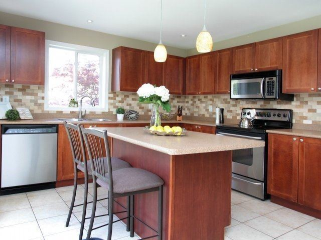 Detached at 1387 Hill St, Milton, Ontario. Image 17