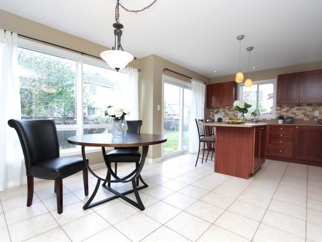 Detached at 1387 Hill St, Milton, Ontario. Image 18
