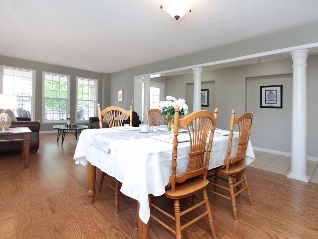 Detached at 1387 Hill St, Milton, Ontario. Image 2