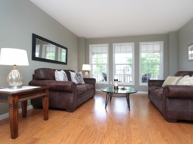 Detached at 1387 Hill St, Milton, Ontario. Image 3