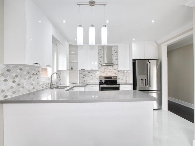 Detached at 86 Silverhill Dr, Toronto, Ontario. Image 13
