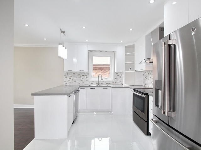 Detached at 86 Silverhill Dr, Toronto, Ontario. Image 14