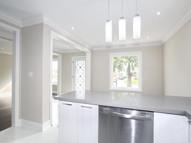 Detached at 86 Silverhill Dr, Toronto, Ontario. Image 15