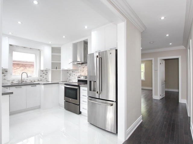 Detached at 86 Silverhill Dr, Toronto, Ontario. Image 16