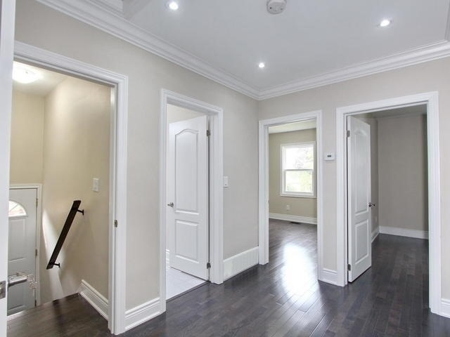 Detached at 86 Silverhill Dr, Toronto, Ontario. Image 4