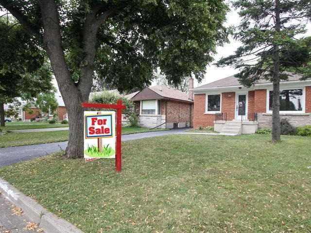 Detached at 86 Silverhill Dr, Toronto, Ontario. Image 11