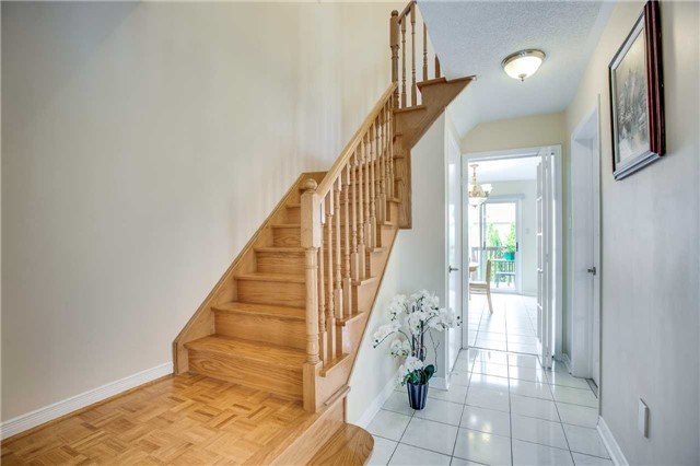 Semi-detached at 5616 Palmerston Cres, Mississauga, Ontario. Image 20
