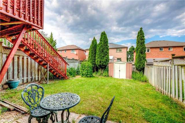Semi-detached at 5616 Palmerston Cres, Mississauga, Ontario. Image 11