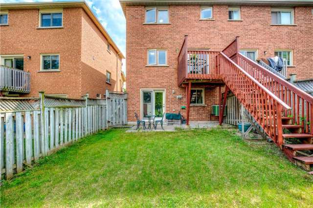 Semi-detached at 5616 Palmerston Cres, Mississauga, Ontario. Image 13