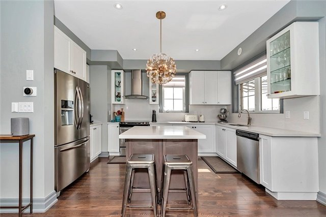 Townhouse at 2403 Greenwich Dr, Oakville, Ontario. Image 3