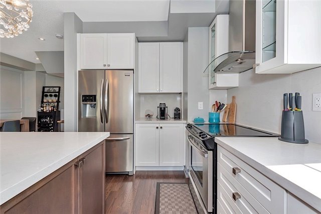 Townhouse at 2403 Greenwich Dr, Oakville, Ontario. Image 5