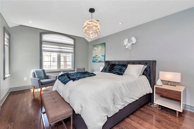 Townhouse at 2403 Greenwich Dr, Oakville, Ontario. Image 7