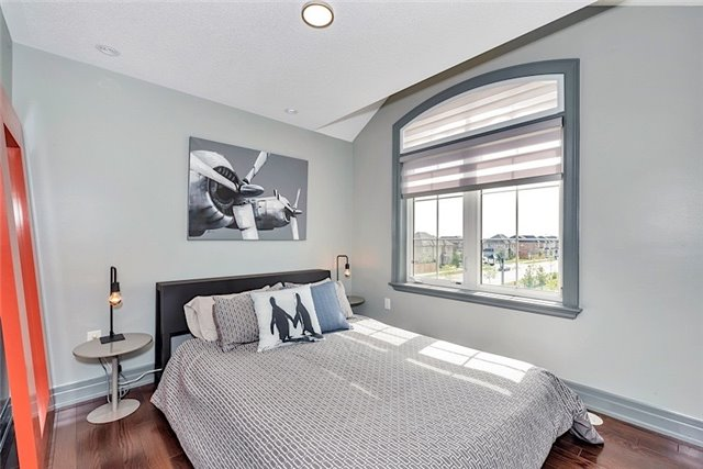 Townhouse at 2403 Greenwich Dr, Oakville, Ontario. Image 10