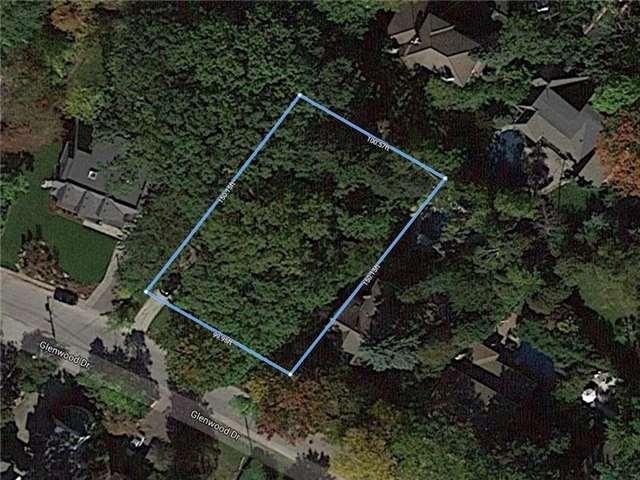 Detached at 1363 Glenwood Dr, Mississauga, Ontario. Image 2