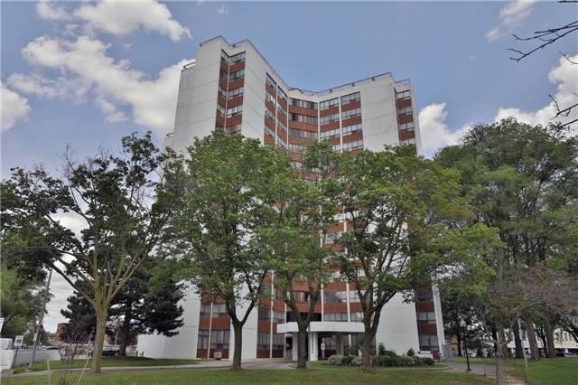 Condo Apartment at 2323 Confederation Pkwy, Unit Ph5, Mississauga, Ontario. Image 8
